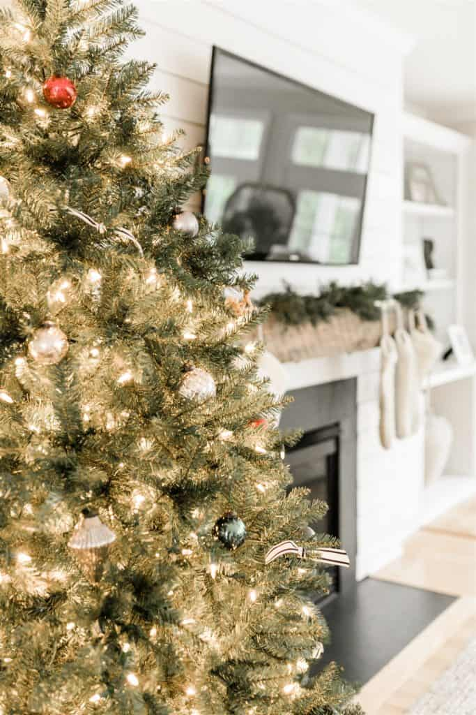 Christmas Home Tour - The Coastal Oak - Come tour the neutral and simple Christmas decor in my home!