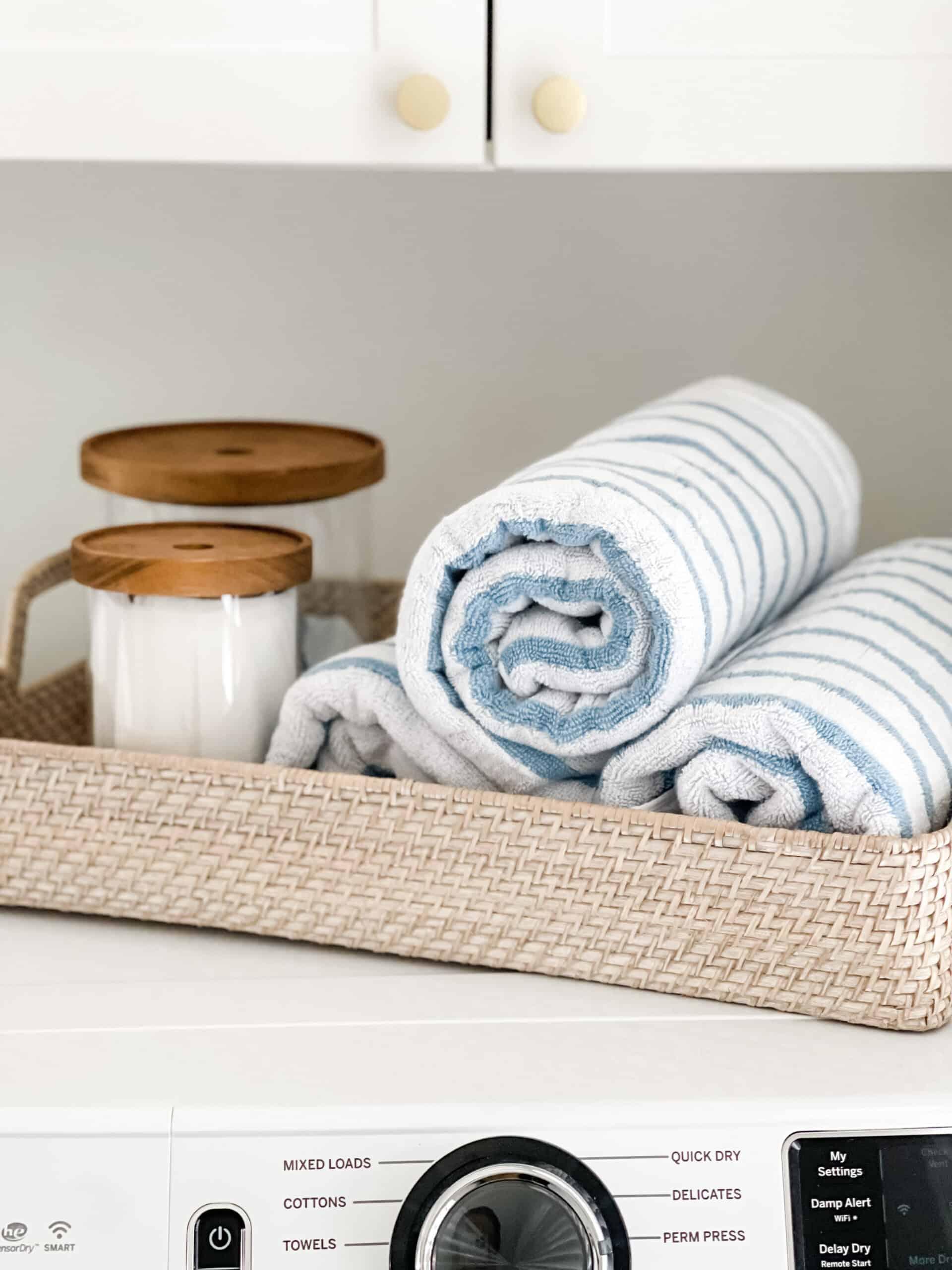 Coastal laundry room inspiration.